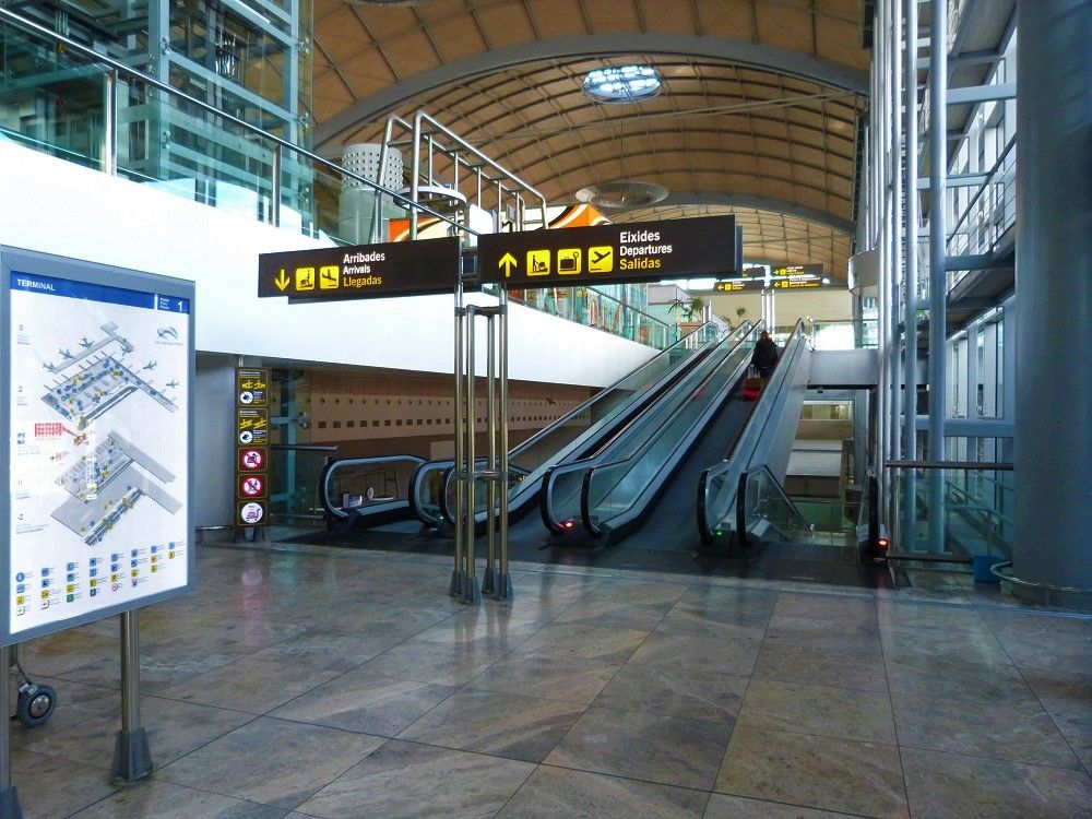Alicante Airport (ALC) Arrivals and Departures
