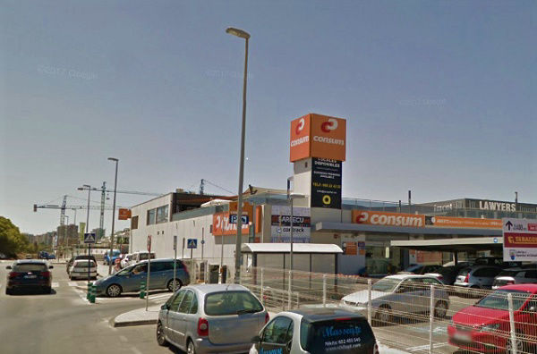 Alicante Airport Shuttle Transfers from the Bus Stop outside Consum supermarket Campoamor.